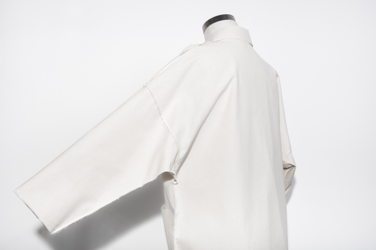 Assembil Blog: The Maker's Atelier Raw Edged Coat Pattern and Toile No. 1. Toile view detail 5.
