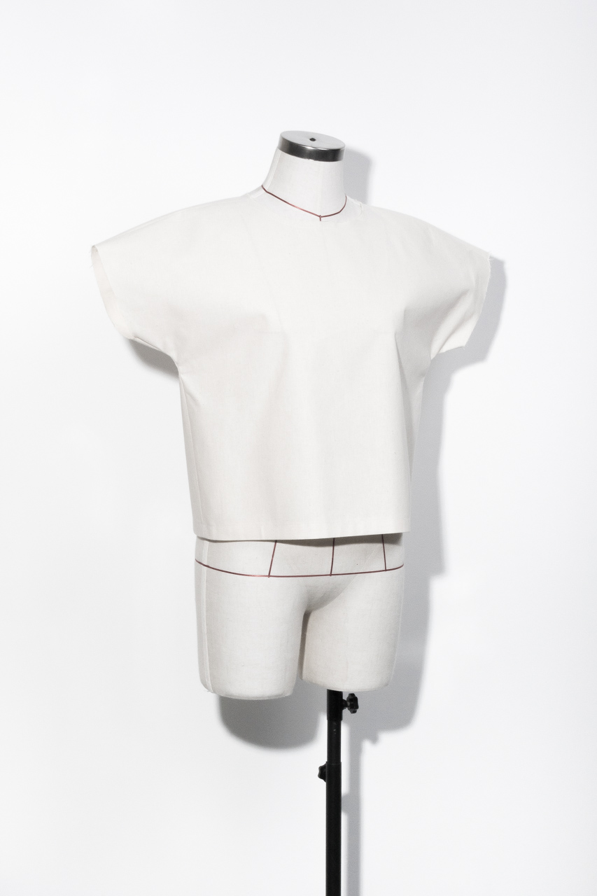 Assembil Blog: The Paper Theory LB Pullover pattern. Toile front short sleeve, image 1.