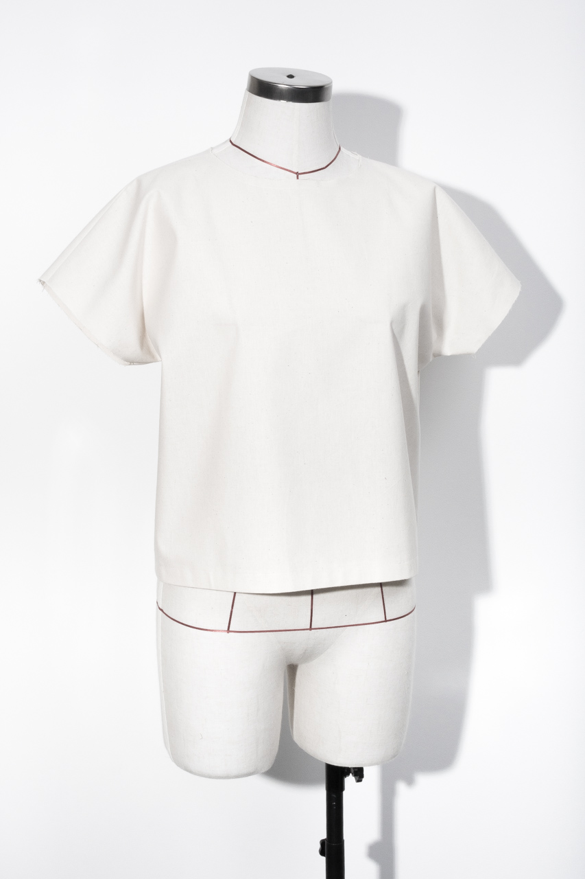 Assembil Blog: The Paper Theory LB Pullover pattern. Toile front short sleeve, image 2.