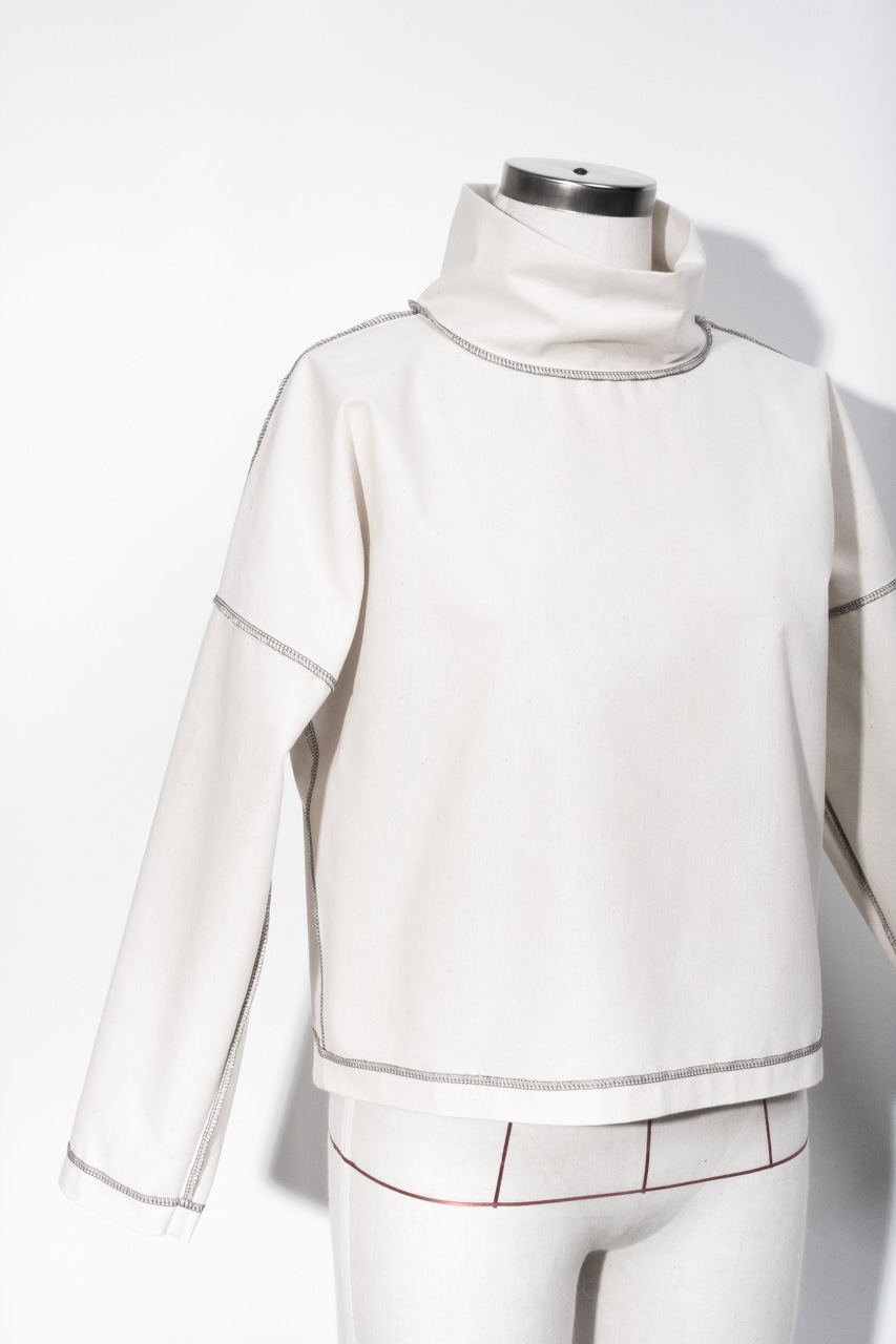 Assembil Blog: The Paper Theory LB Pullover pattern. Toile front detail of overlocking.