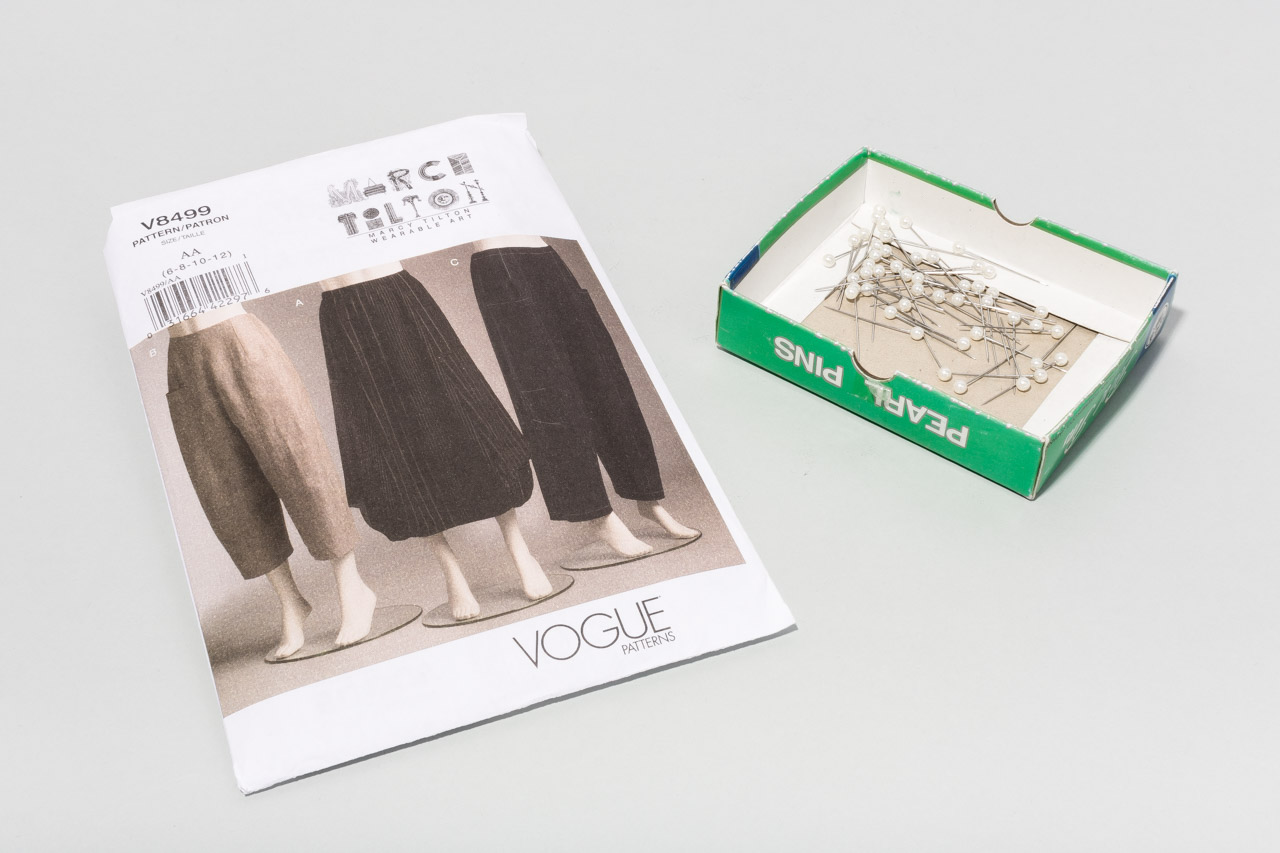 Assembil Blog: Pattern and Toile 1: V8499 Trouser from Vogue Patterns. Image of pattern envelope and pins.