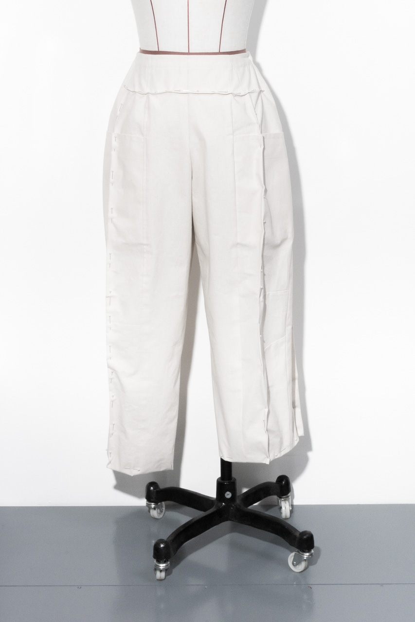 Assembil Blog: Pattern and Toile 1: V8499 Trouser from Vogue Patterns. Toile 1 Fitting, Image 3.