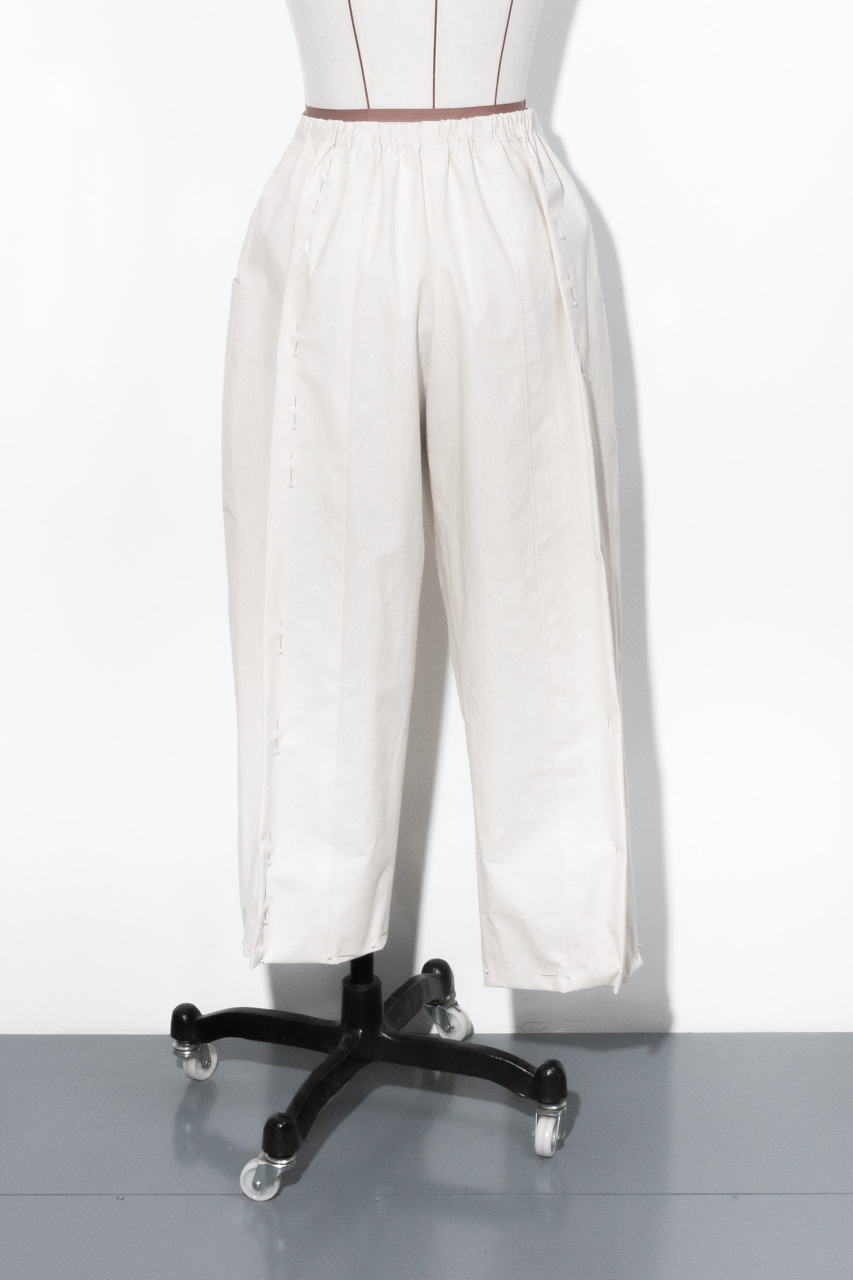 Assembil Blog: Pattern and Toile 1: V8499 Trouser from Vogue Patterns. Toile 1 Fitting, Image 4.