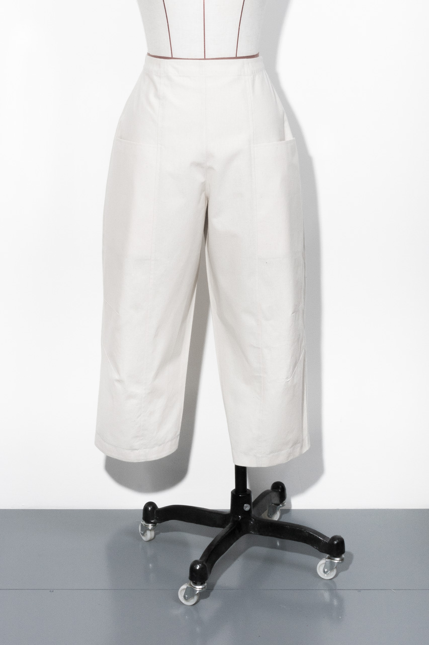 Assembil Blog: Toile No. 2: V8499 Trousers from Vogue Patterns. Toile, Front View, Image 4.